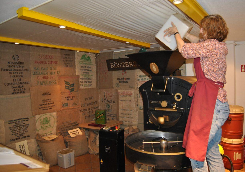 Göttingen, kleine Kaffeerösterei mit fair gehandelten Kaffeebohnen