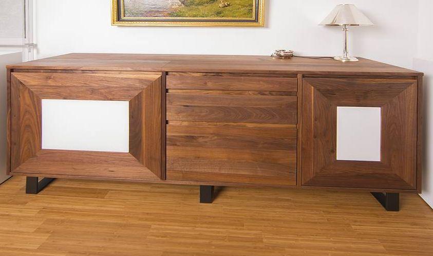 Eines der schönen Möbelstücke von Katrin Prinzler (c) Beate Krämer
