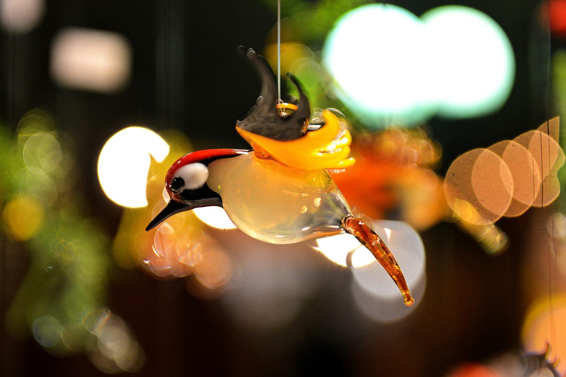 Handwerkskunst auf dem Göttinger Weihnachtsmarkt - ein Glasvogel