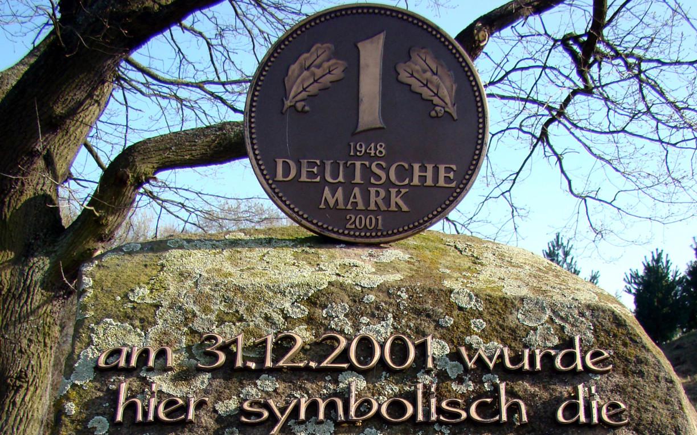 Hier liegt in Gifhorn die Deutsche Mark begraben.