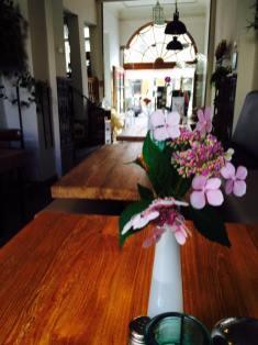 einer der gemütlichen Sitzbereich im Kaffeehus