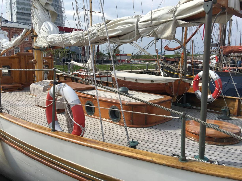 Holzschiff Segelschiff