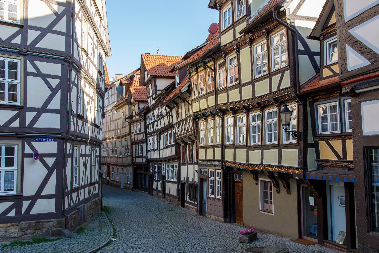 Schiefe Fachwerkhäuser in der Sydekumstraße (c) Hann. Münden Marketing GmbH, Foto: Burkhardt