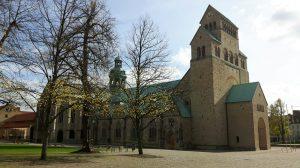 Der Hildesheimer Mariendom im Herbst (c) Keno Hennecke