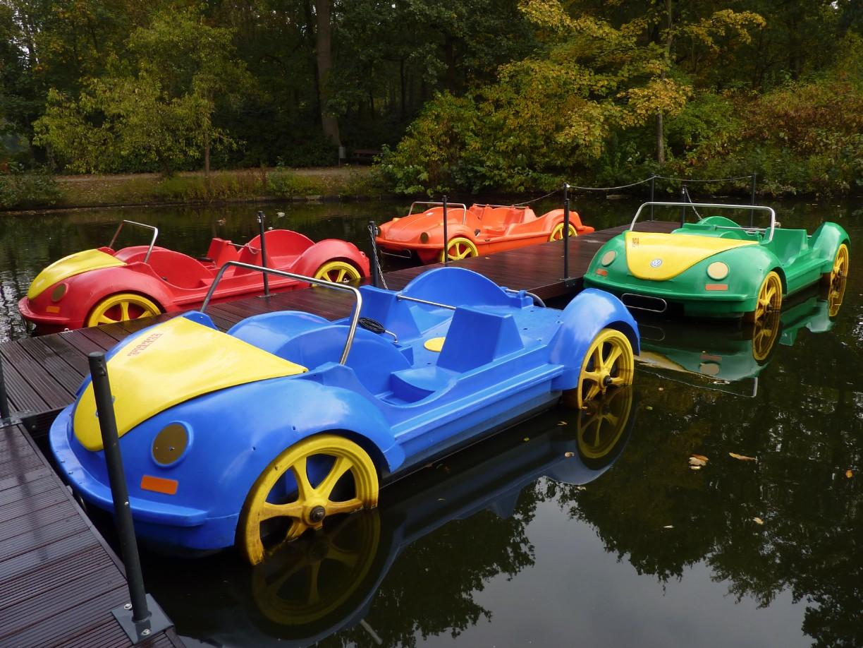 Tretboot fahren im Park in Bremerhaven