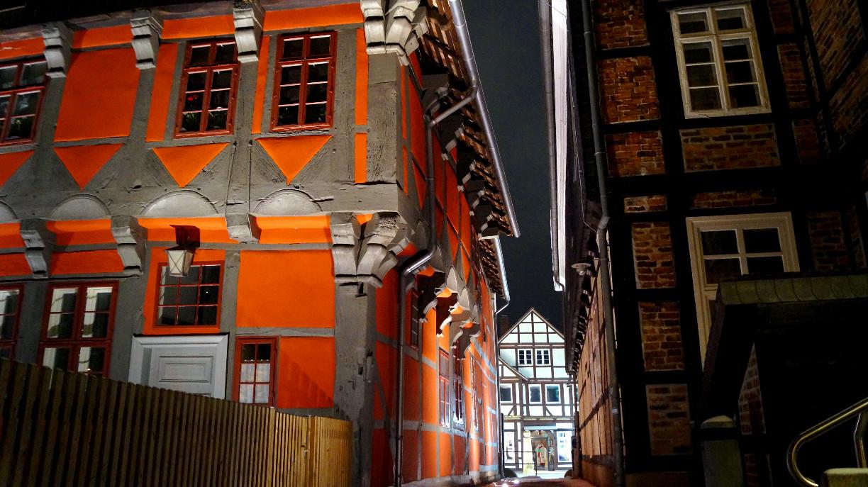 Blick zwischen das Kavalierhaus und den Langen Jammer.