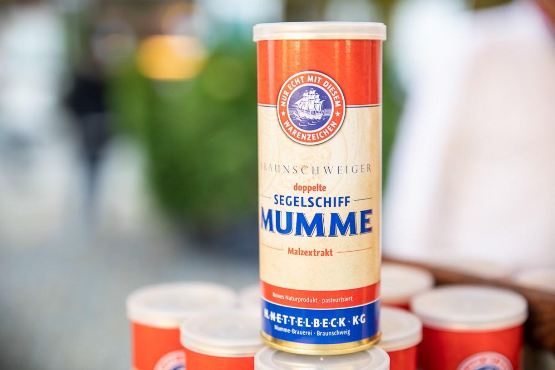 """Aluminium-Dose mit der Aufschrift """"doppelte Segelschiff Mumme"""" -traditionsbetriebe"""