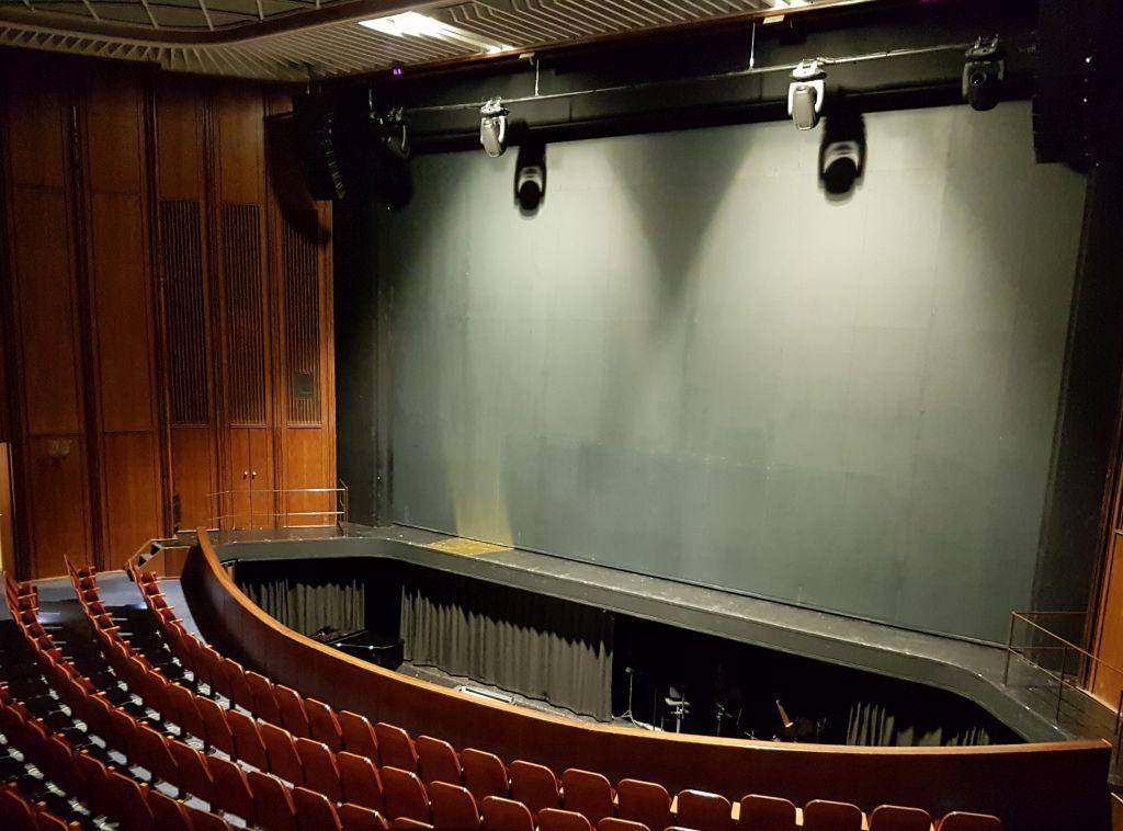 Der feuerfeste Vorhang im Großen Haus des Stadttheaters Bremerhaven