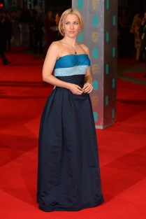 Gillian Anderson wore a 1949 Balmain gown from WilliamVintage.