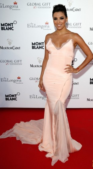 eva-longoria-sexy-back-cannes-global-gift-gala-03