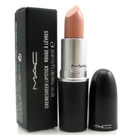 (MAC Cremesheen Lipstick in Creme d'Nude
