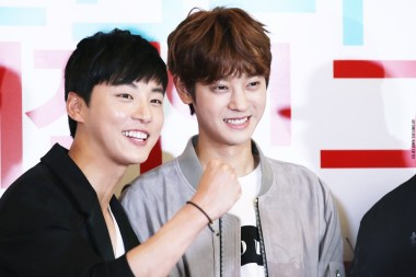 Yoon Shi Yoon and Jung Joon Young showing their supports to Cha Tae Hyun at My Sassy Girl 2 VIP premiere