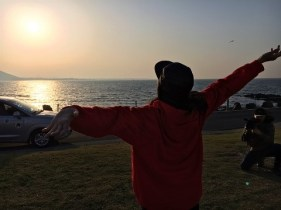 Jung Joon Young updating blog about Jejudo trip with noona Han Hyo Joo