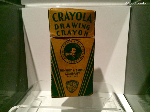 Elvis wrote his name on this crayons box (but I couldn't see it!)