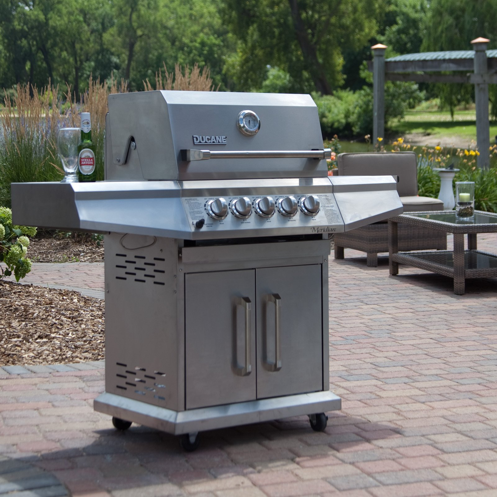 Choosing An Outdoor Grill  About Outdoor Grilling