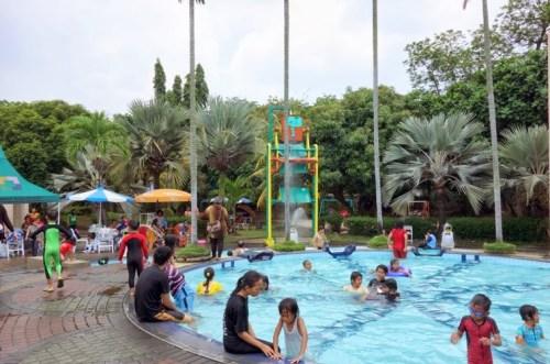 Kolam Renang Fun Park About Tangerang