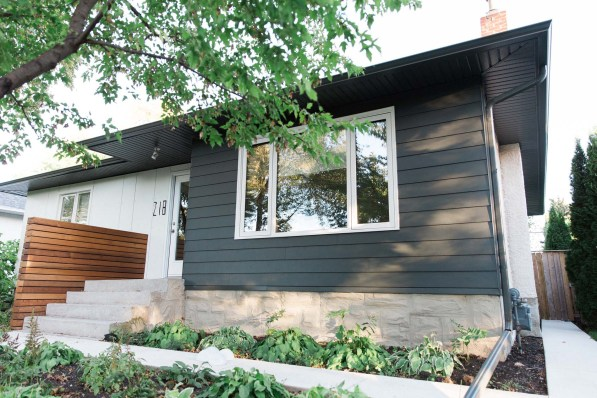 Winnipeg bungalow with KWP siding and Hardie panels