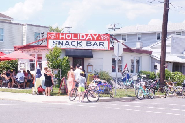 Holiday-Snack-Bar