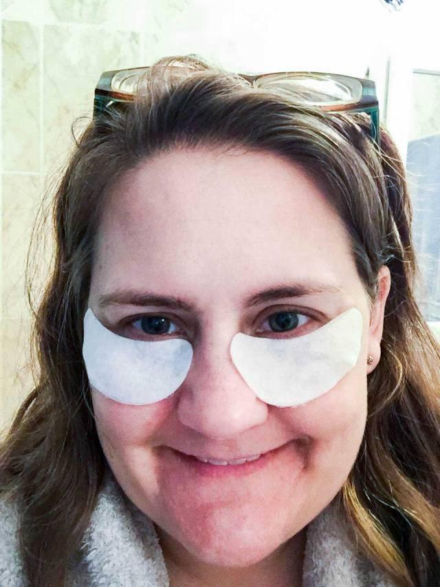 Tori-In-Under-Eye-Mask