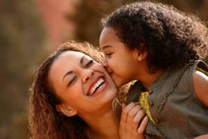 black_mother_and_daughter_800x5324