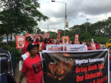 Protesters along the Kudirat Abiola Road, Ikeja. Photo: abovewhispers.com