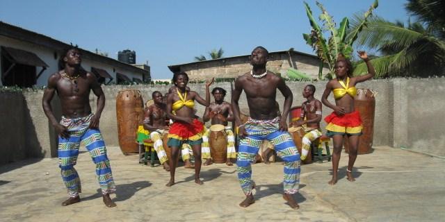 Kpalongo dance