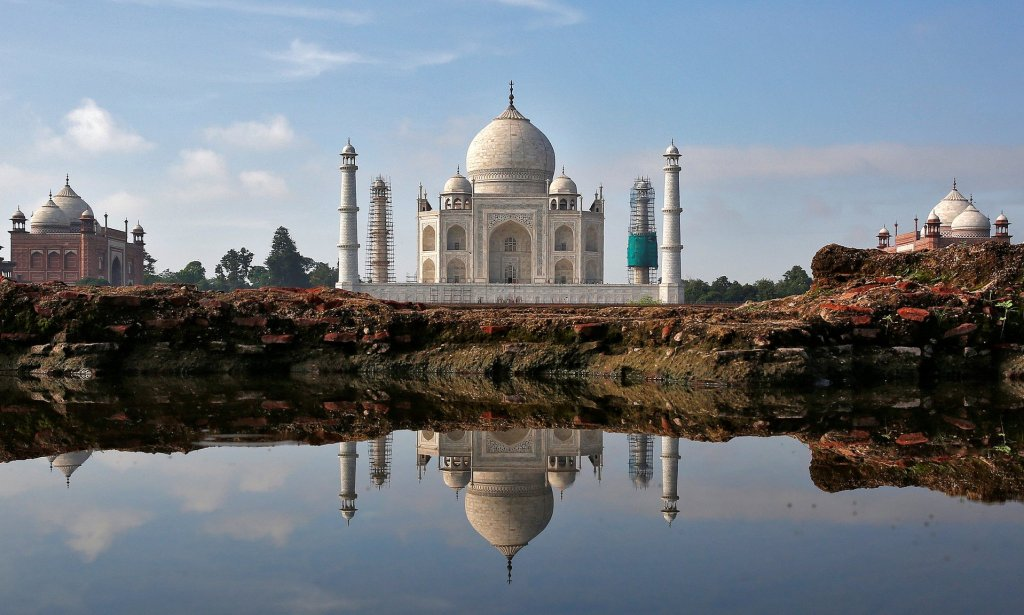 The Taj Mahal – a popular tourist spot. UK Foreign Office advice suggests visitors to India 'respect local dress codes'. Photograph: Cathal Mcnaughton/Reuters