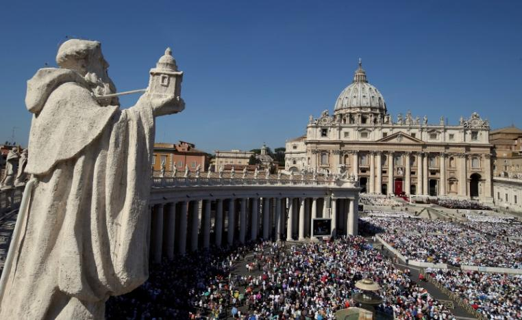 A general view of Saint Peter's Square as Pope Francis leads a mass for the canonisation of Mother Teresa of Calcutta at the Vatican September 4, 2016. REUTERS/Stefano Rellandini
