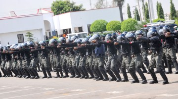 Several Wounded As Police Disperse Anti-El-Zakzaky Protest In Kaduna