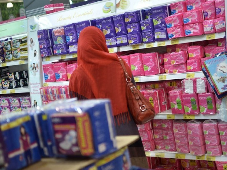 Woman and Sanitary pads