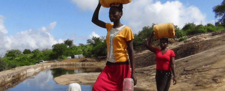 Women Bear Brunt of Power, Water Shortages In Zimbabwe