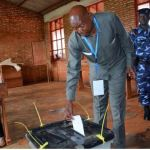 Burundi's opposition leader and deputy speaker in parliament Agathon Rwasa, casts his ballot at a polling centre during the constitutional amendment referendum in Kiremba commune in Ngozi province, Burundi May 17, 2018. REUTERS/Evrard Ngendakumana