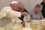 Pope Hosts Meal For 1,500 Needy People