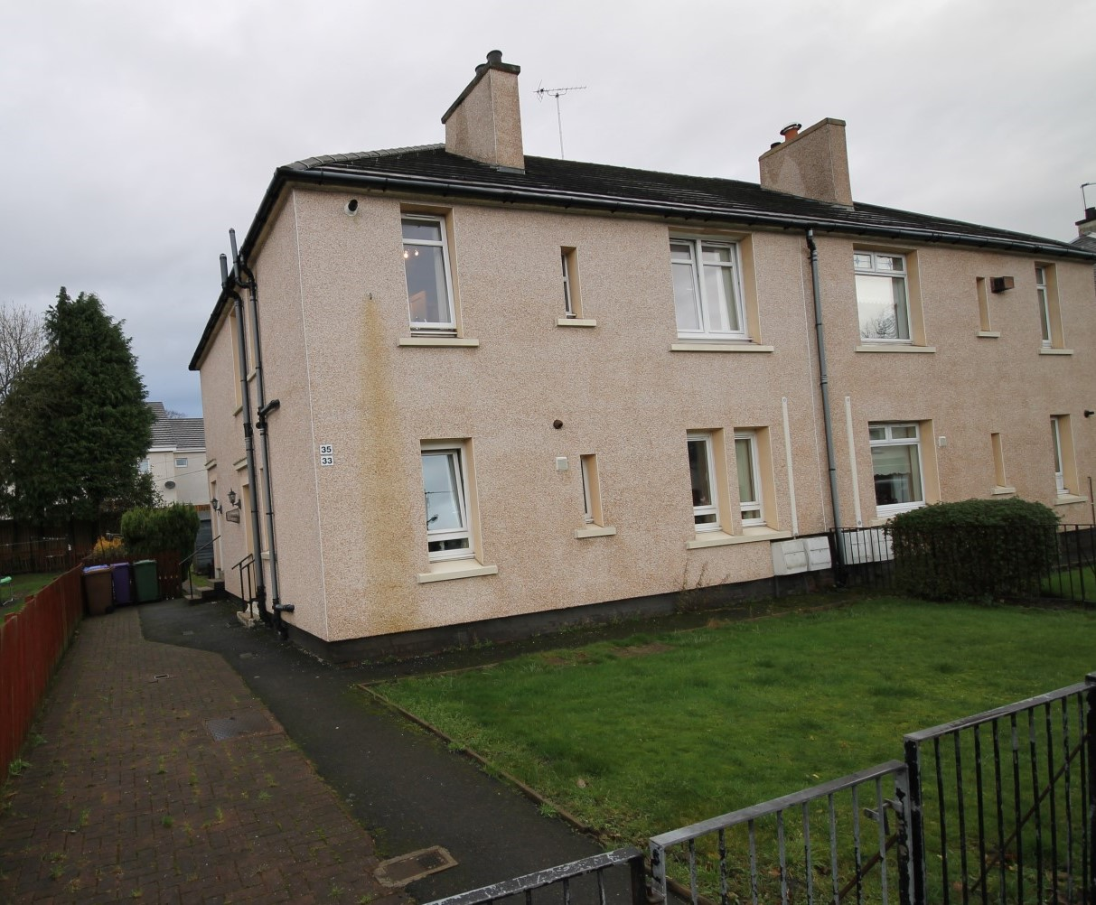 Let Agreed  BUDHILL  1 Bedroom Furnished Flat  A B