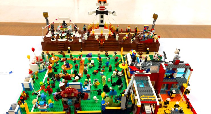 Interview w/ Zozobra LEGO creator Robert Pineda