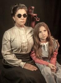 TMW_ALT_MichelleRoe as Annie Sullivan_AlinaHorak as Helen Keller