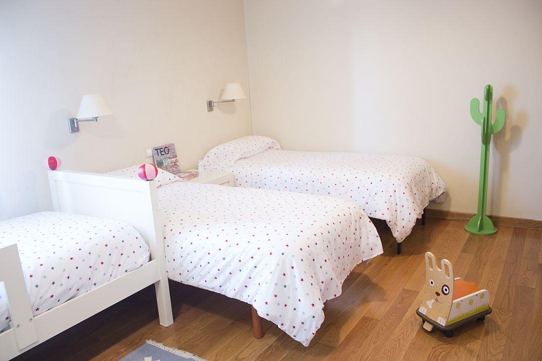 Abracadabra Decor Vigo Home Staging decora para alquiler vacacional - dormitorio