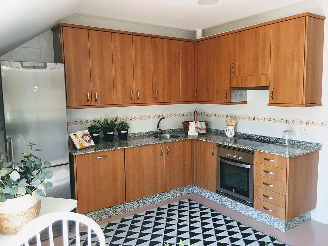 Abracadabra Decor Vigo Home Staging decora para vender o alquilar muebles de cartón - cocina
