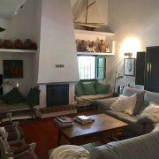 Abracadabra Decor Vigo Home Staging decora para alquiler vacacional Chalet en el Mediterráneo - salón antes