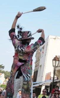 boite à merveilles spectacle rue cirque festival mat chinois fil de fer clowns jongleurs aerien girly kawai(158)