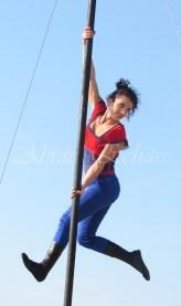 boite à merveilles spectacle rue cirque festival mat chinois fil de fer clowns jongleurs aerien girly kawai(170)