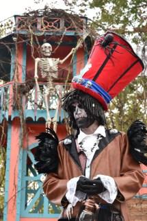 Mysterious voodoo echasses halloween walibi parade dia de los muertos vaudous (13)