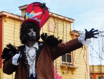 Mysterious voodoo echasses halloween walibi parade dia de los muertos vaudous (82)