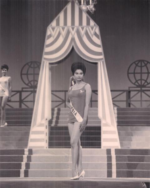 MISS UNIVERSE 1964 SWIMWEAR ROUND