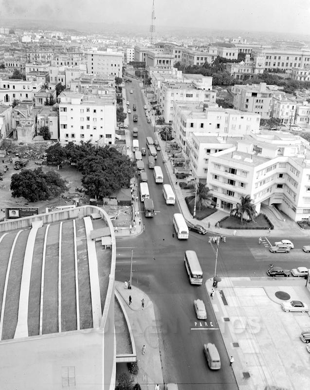 Calle 23 y L, Vedado, La Habana. Alrededor de 1950.