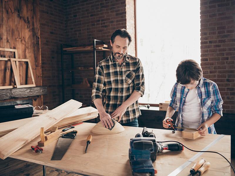 Muitos móveis podem ser confeccionados em parceria com profissionais especializados