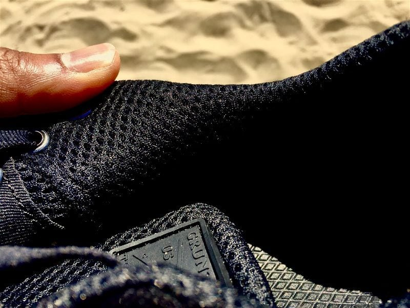 The Raid Shoe's mesh inner construction makes these shoes highly breathable and quick drying to keep your feet comfy and dry