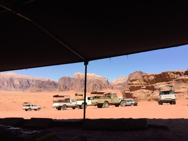 Wadi Rum 4x4 Tours through desert and Bedouin camps