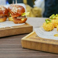 Canapes from Tom's Kitchen - sliders and crab cakes