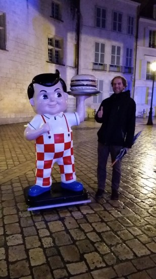We found a Big Boy in Orleans! We skipped eating here, but our friend told he went there once and it was terrible.